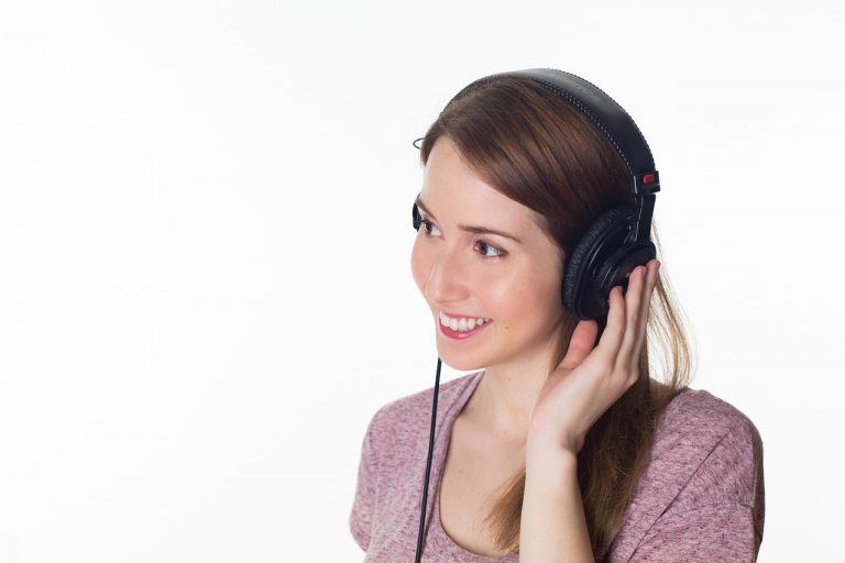 8 morning habits for a healthier life listen to music