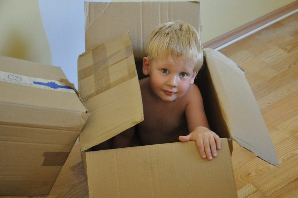 On The Go Wellness Chiropractor Miami: How To Lift Those Moving Boxes Correctly